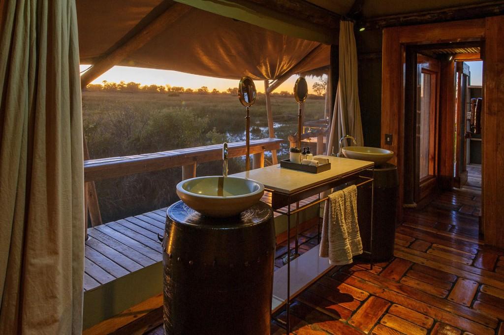Luxury Mombo Camp Botswana