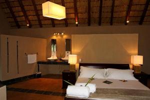 Honeymoon Suite Nkhoro Bush Lodge