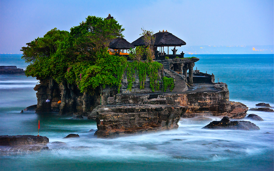 Tanah Lot Ocean Temple